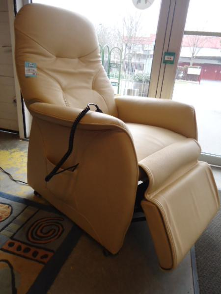 Fauteuil relax everstyl discount fauteuil relax everstyl pas cher 1300 eur - Fauteuil relax discount ...