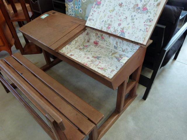 table de tapissier brico depot toulouse 26. Black Bedroom Furniture Sets. Home Design Ideas