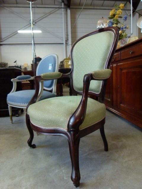 fauteuils de style discount fauteuils de style pas cher partir de 120 euros val d oise. Black Bedroom Furniture Sets. Home Design Ideas