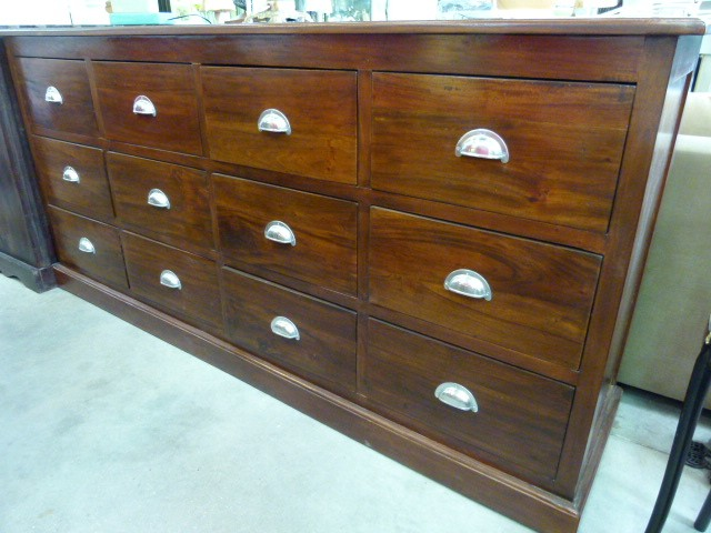 commode acajou 12 tiroirs discount commode acajou 12 tiroirs pas cher 499 euros val d oise. Black Bedroom Furniture Sets. Home Design Ideas