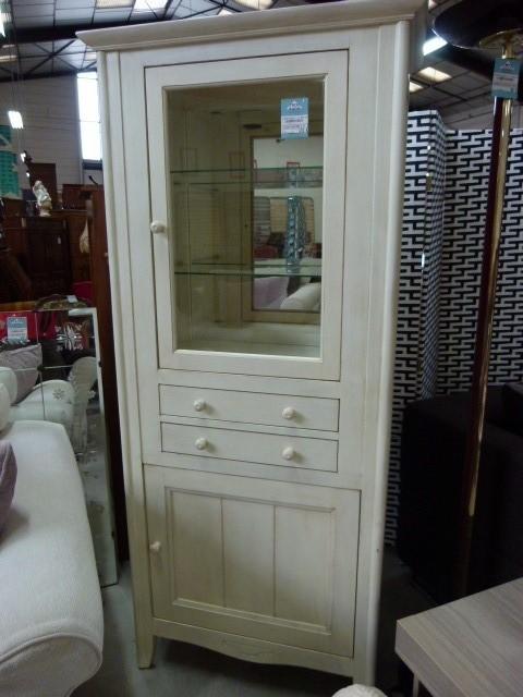 vitrine discount vitrine pas cher 173 euros val d oise. Black Bedroom Furniture Sets. Home Design Ideas